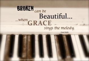 broken-beautiful-piano-blur